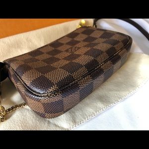 Louis Vuitton Bags - Mini Pochette ❤️